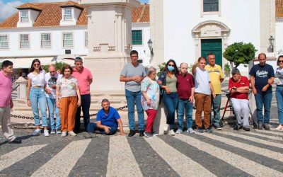 Los residentes disfrutan de un paseo en ferry