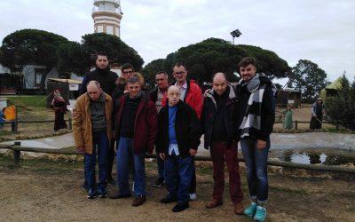 Los residentes de la R.G.A. 'El Cristo Roto' visitan el Belén Viviente de Corrales y el Belén Viviente de Mazagón