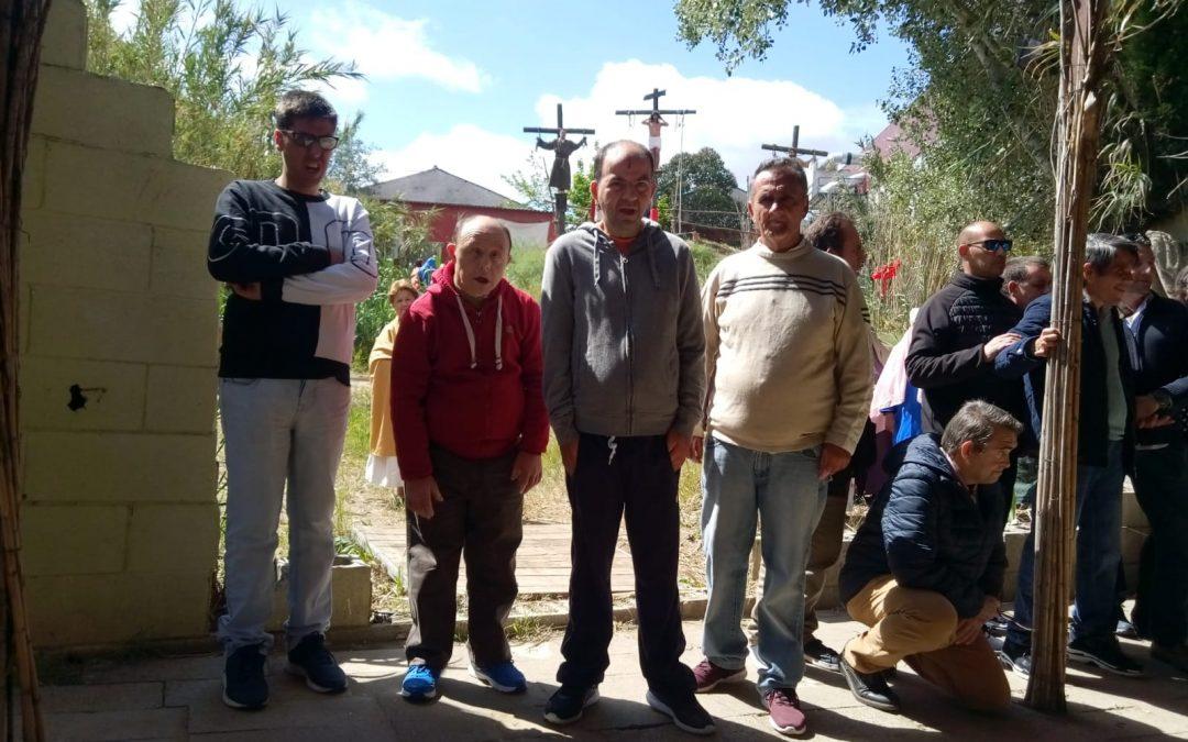 Residentes de Gravemente Afectados del Complejo El Cristo Roto visitaron la Pasión Viva de Cristo