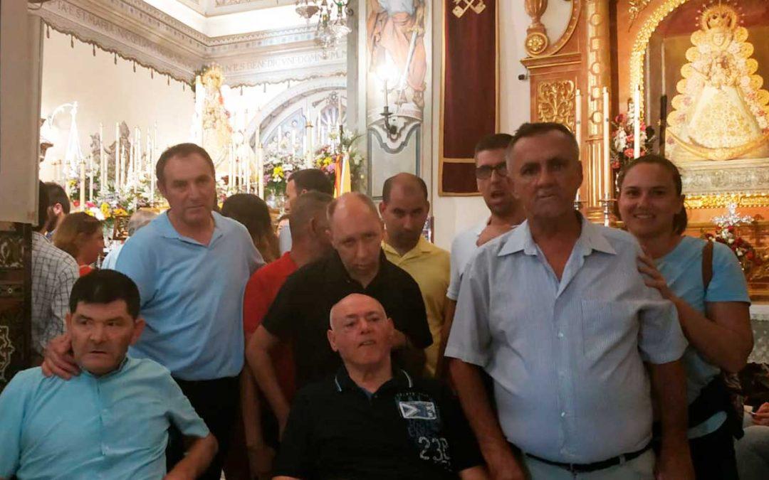 Visita de la Residencia de Gravemente Afectados 'El Cristo Roto' al pueblo de Almonte para ver a la Virgen del Rocío